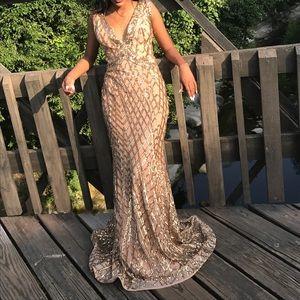 Dresses & Skirts - Gold sequins prom dress ✨